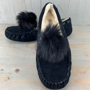 NEW Dakota Black Slippers Pom Pom 6.5